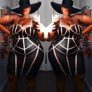 Dresses & Skirts - Black & Nude Dress
